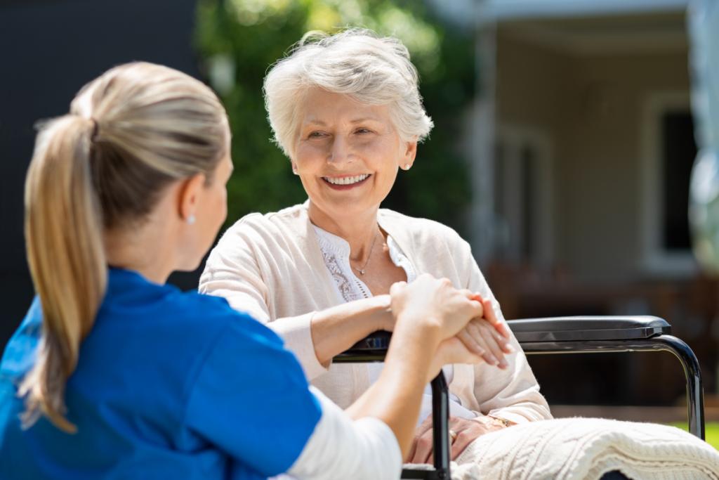 la tutela degli anziani in difficoltà economica