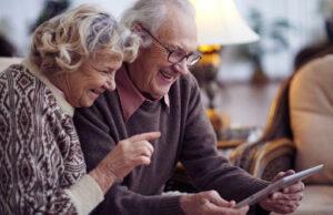 anziani-tecnologia-tablet