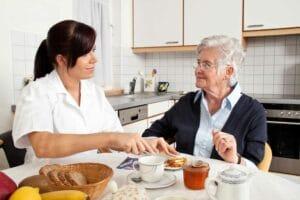 assistenza-domiciliare-anziani-roma-badanti