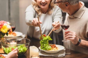 rinforzare-sistema-immunitario-anziani-alimentazione